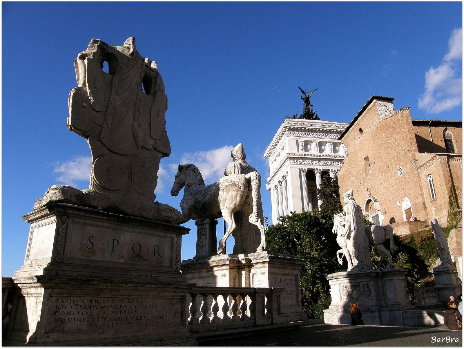 ... poi, per la realizzazione della Piazza del Campidoglio sul progetto di Michelangelo, papa Sisto V le fece spostare e collocare ai lati delle gigantesche statue dei Dioscuri ...