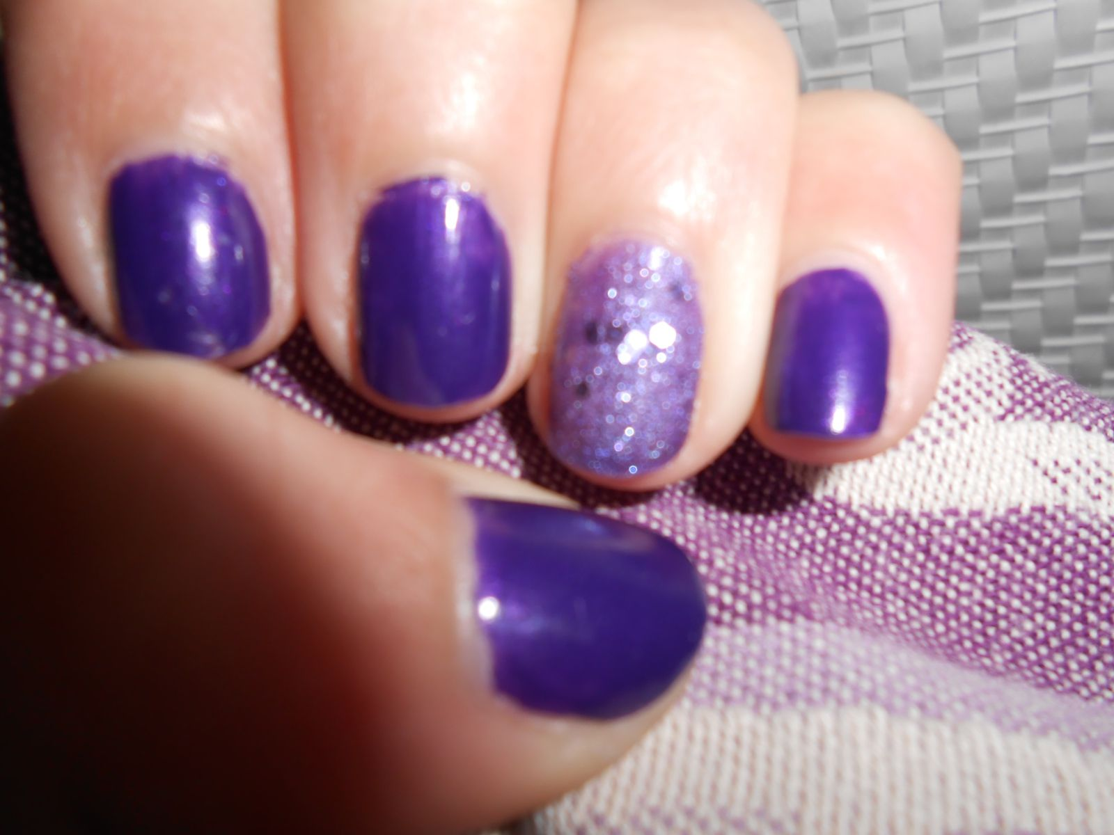 Nail art violet tellement simple !