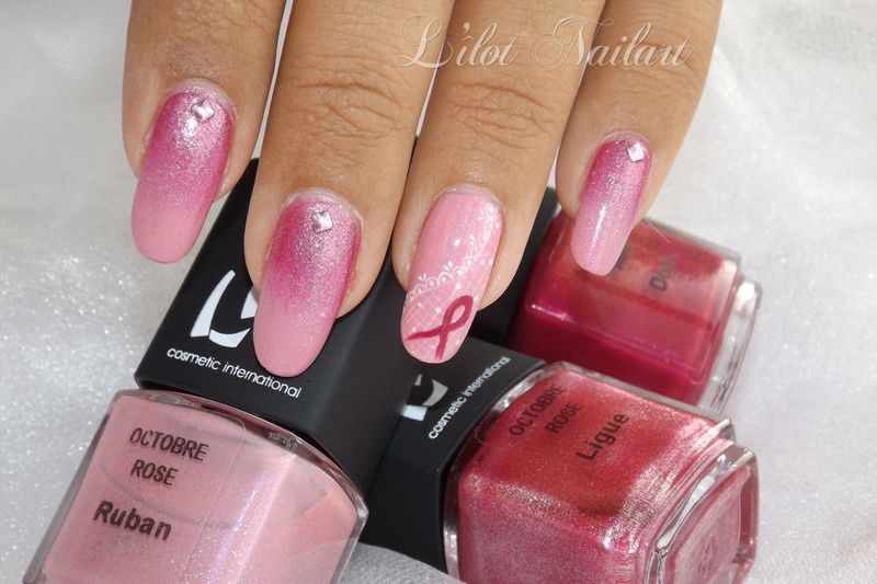 Nail art octobre rose