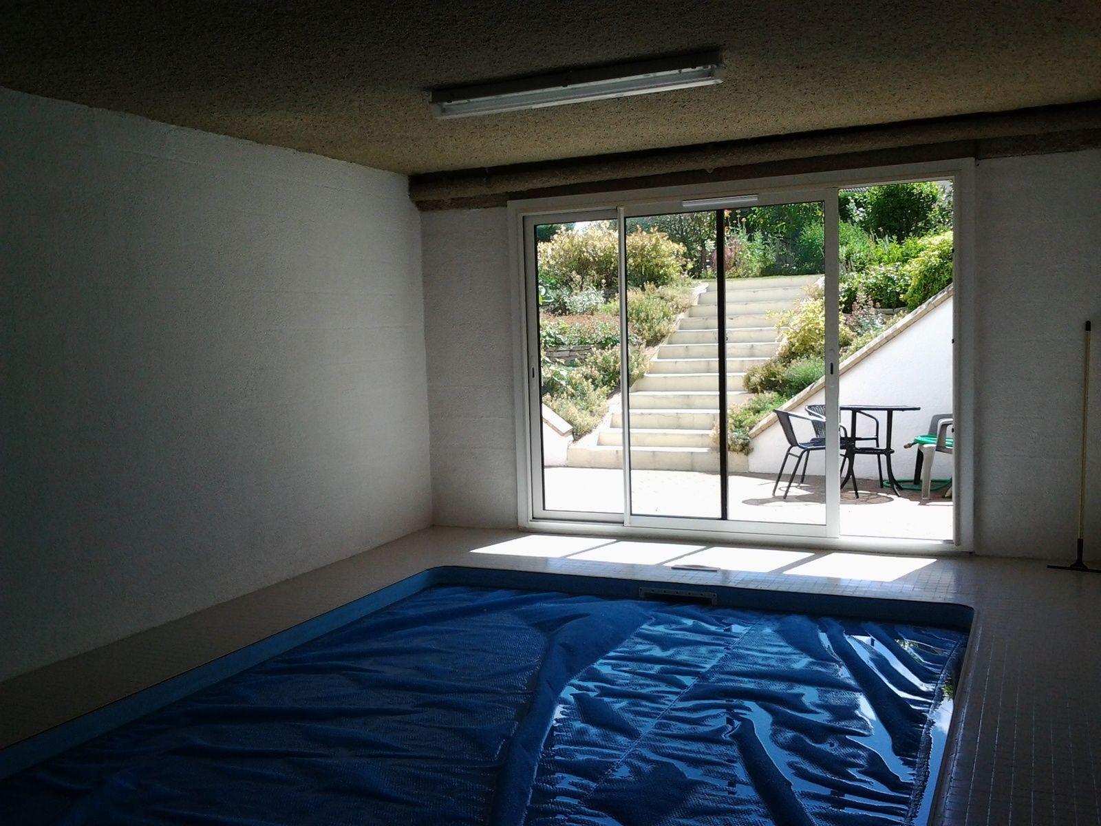 piscine vue sur cour anglaise - Maison à vendre