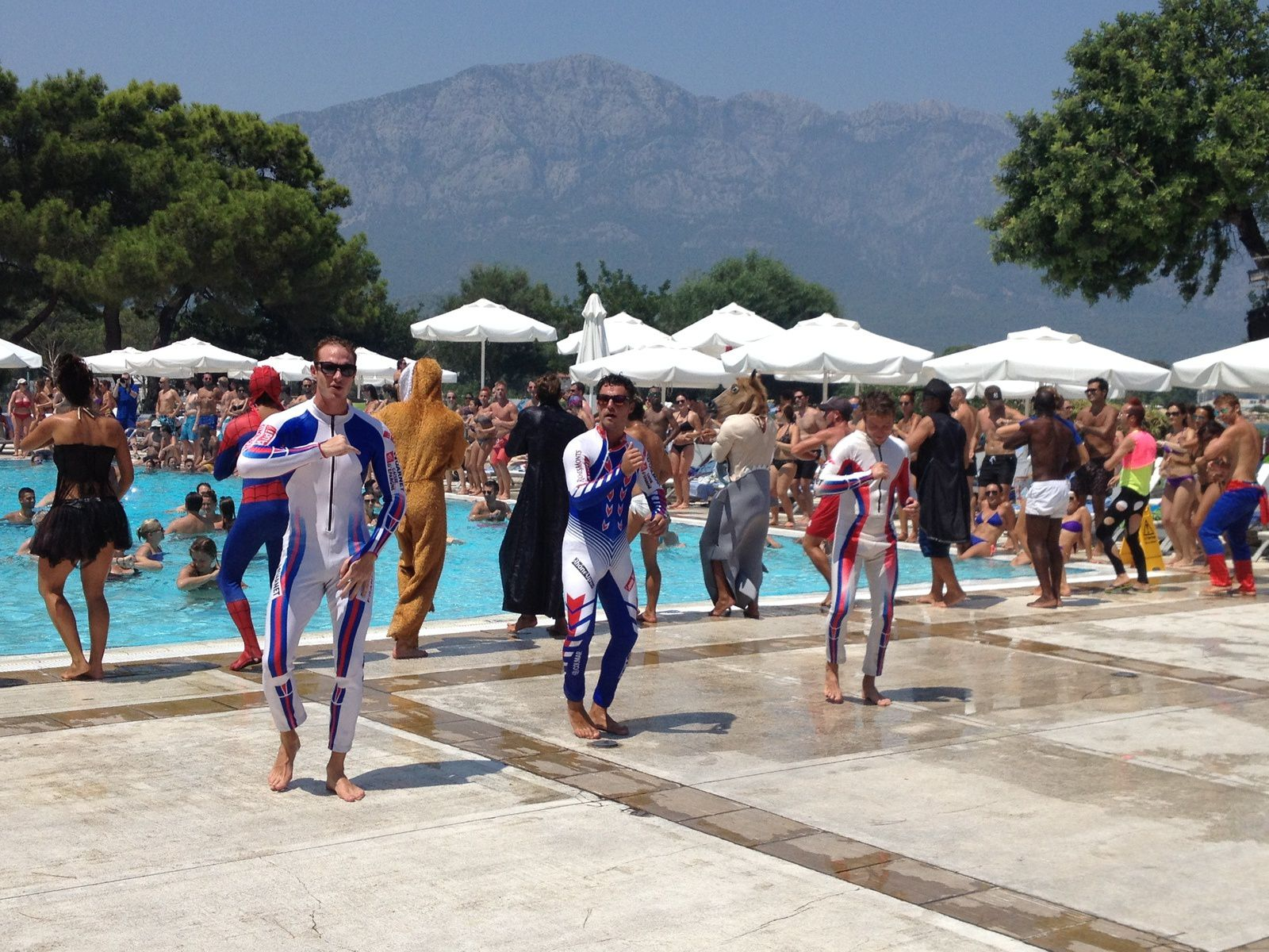 Rencontre club med kemer