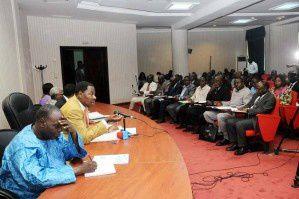 Séance de travail avec les artisans  Boni Yayi annonce le milliard artisanal