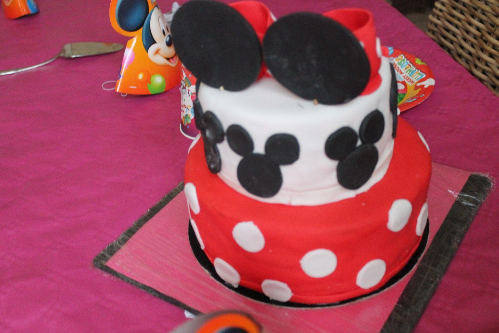 Gâteau d'anniversaire minie mouse