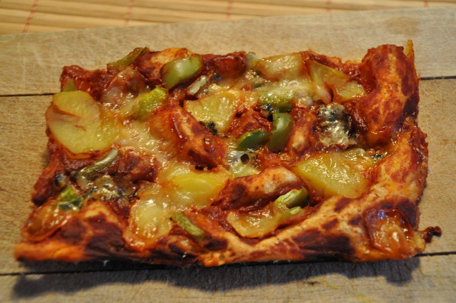 Pizza coulis tomate-poivron - p de t et mozzarella