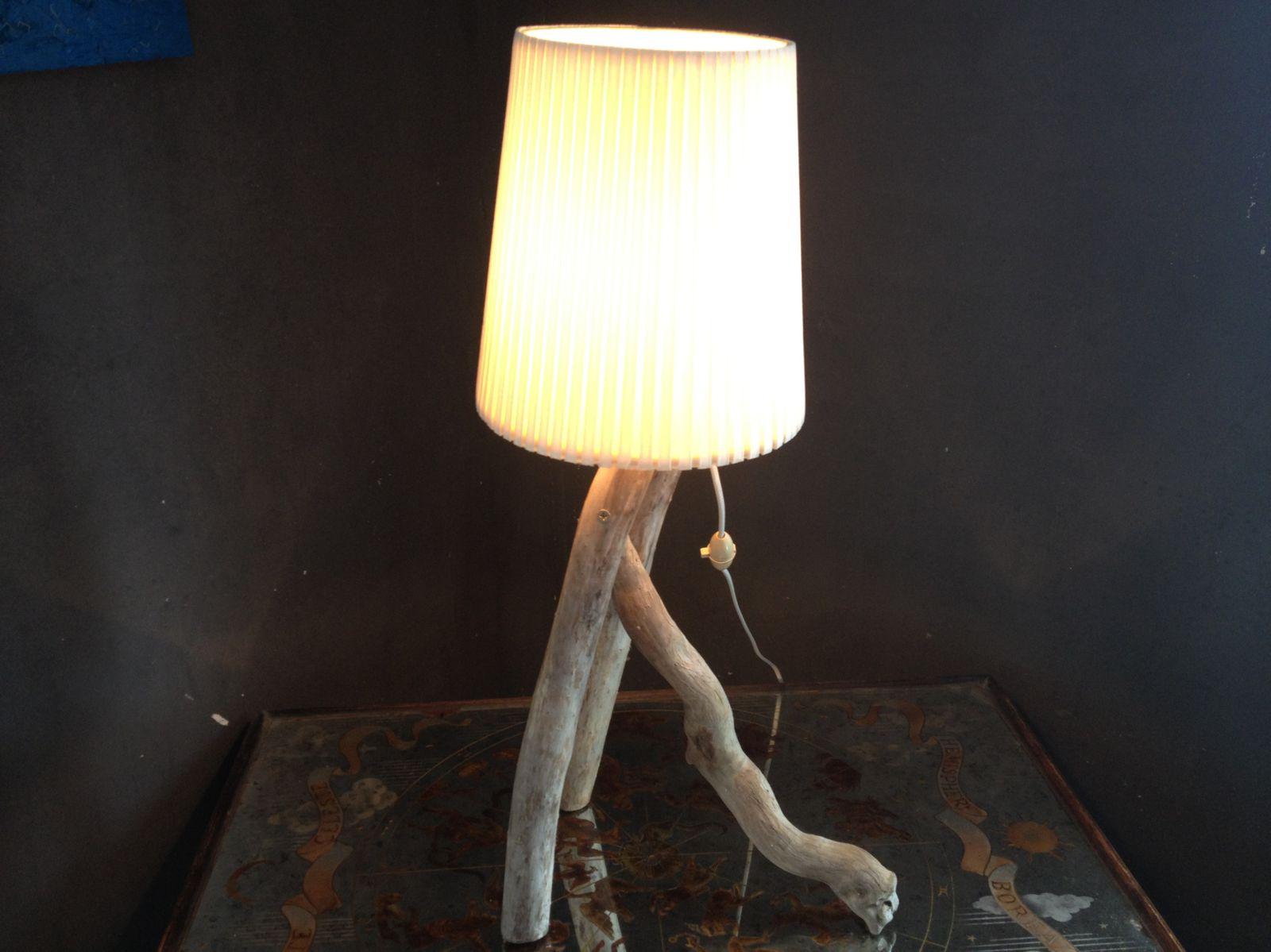 Vente en ligne de lampe en bois flott mod le arthur for Creer sa lampe en bois flotte