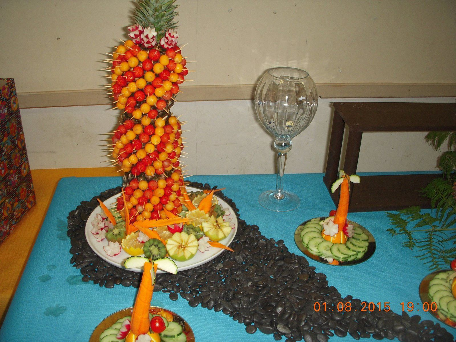 Brochette De Melon Et Past Que Sur Ananas Placards Gourmands Cuisinez Sans Faire Les Courses