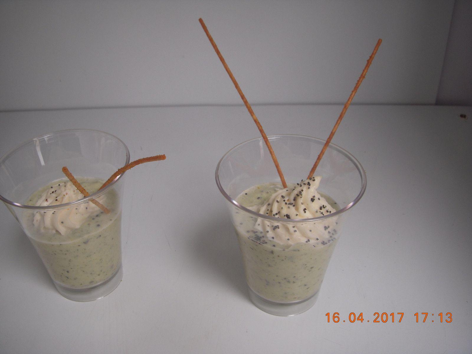 verrine courgette mousse au brie et spaghetti frit