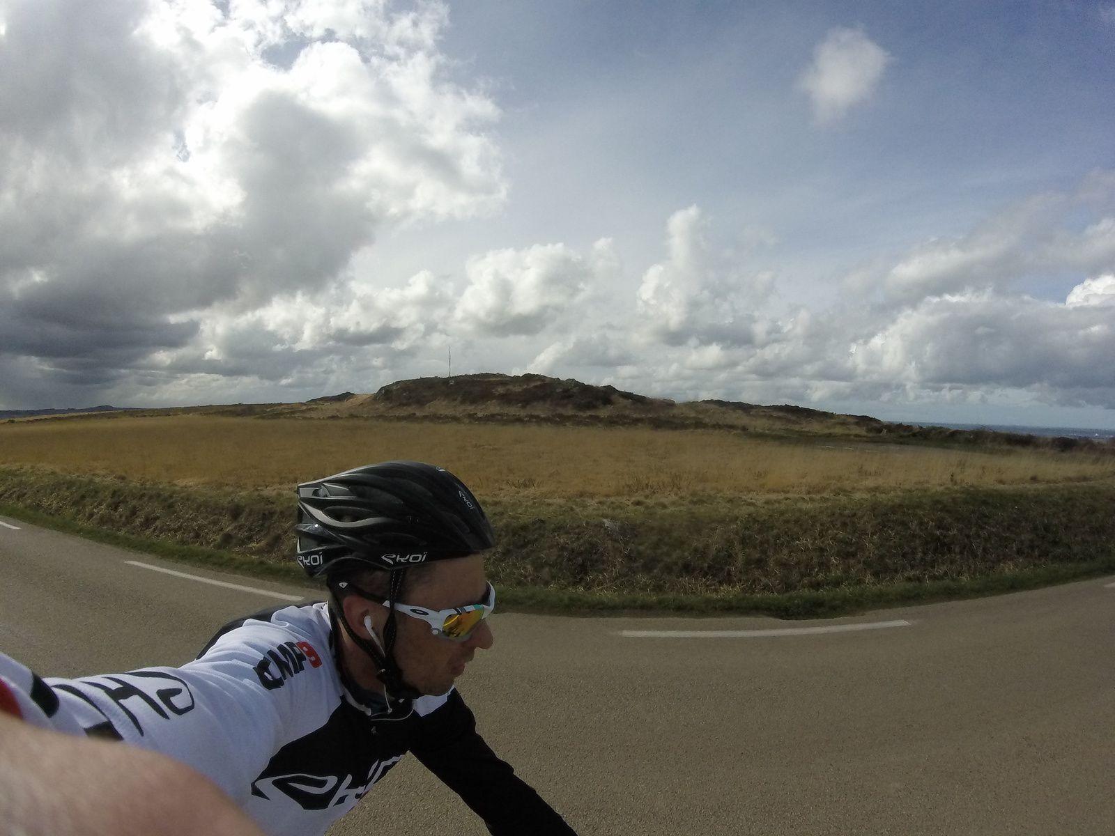 Objectif X'Trem Breizh (Swim, Bike and Run For AAD)... mercredi 22 mars... (S11) sortie foncière souple dans les Montagnes bretonnes sous les averses de pluie et le vent... Au total: 183.88kms en 7h09min21s/ vitesse moyenne: 25.70km/h / Dénivelé + 2425m - 2436m... @suivre