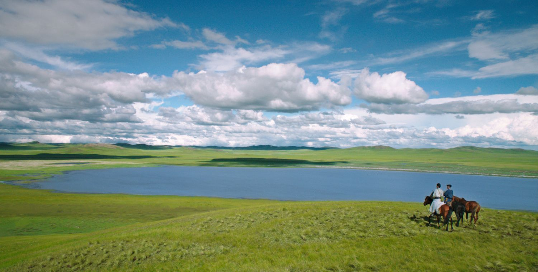 Le Dernier Loup , Danse avec les Loups de Mongolie signé Jean-Jacques ANNAUD
