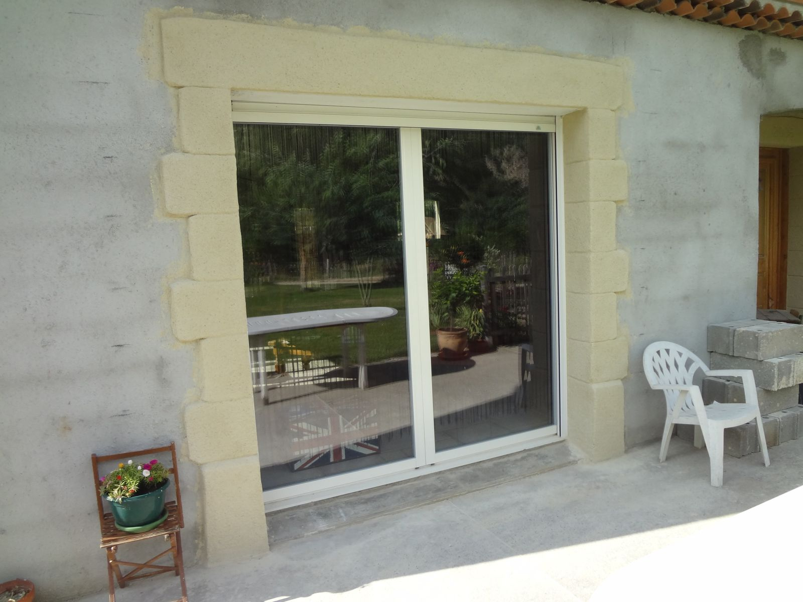 Encadrement d 39 une baie vitr e blog de l 39 ardechois for Baie vitree d angle