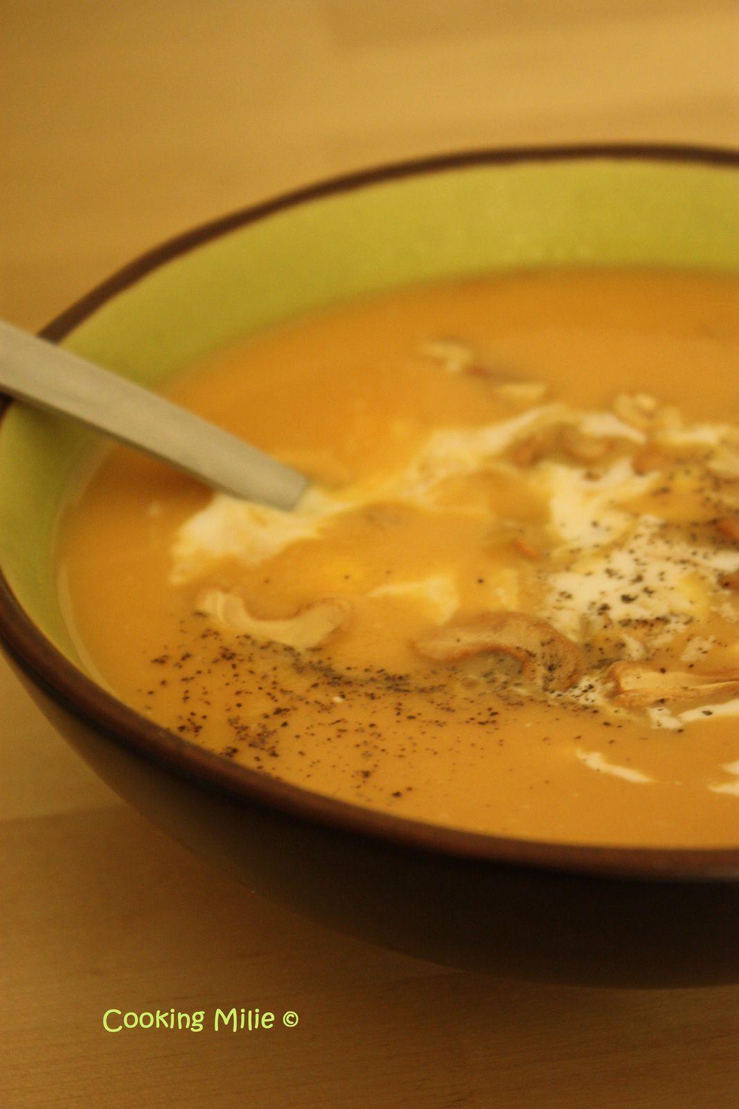 Velouté de patates douces au lait de coco