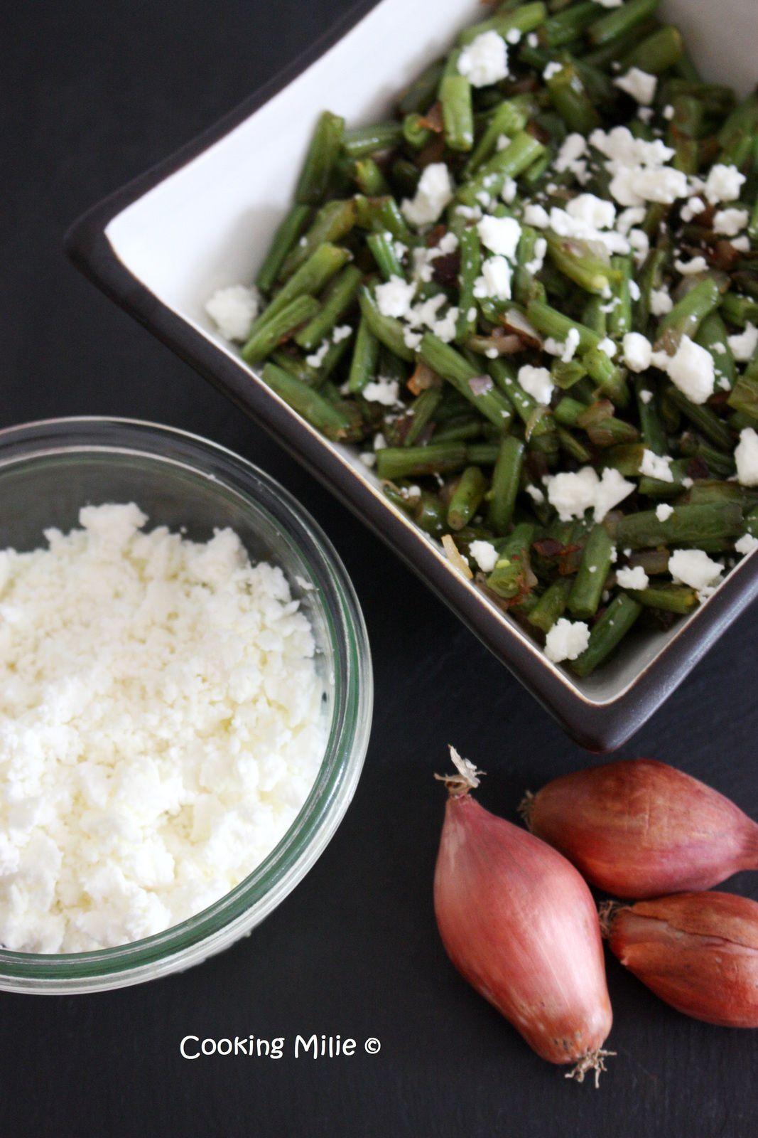 Salade tiède de haricots verts, feta et échalotes