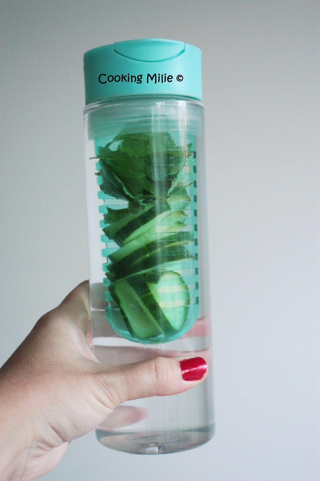 Detox water au concombre et à la menthe