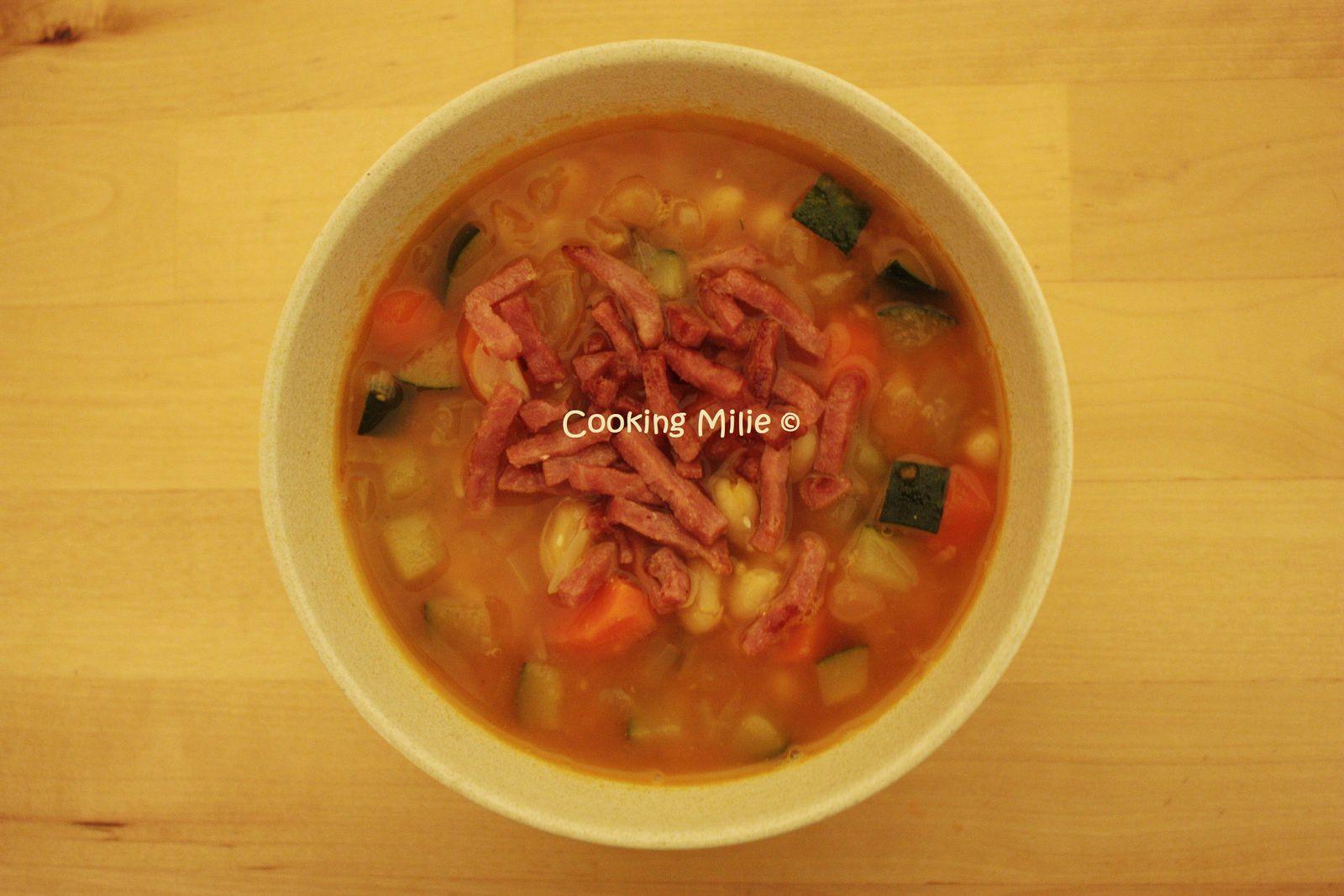 Soupe aux haricots blancs et au bacon