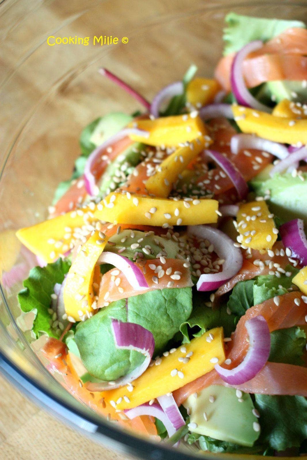 Salade de saumon fumé, avocat et mangue