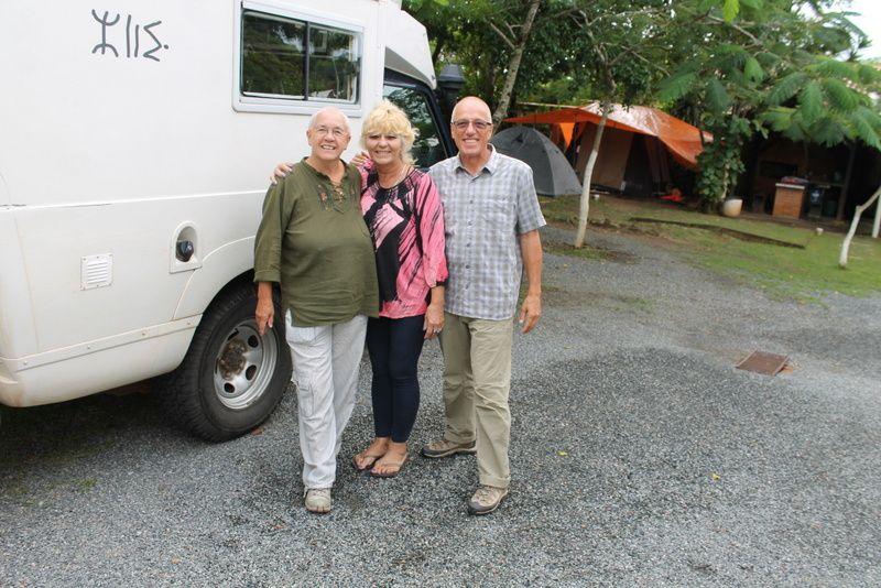 23 avril :séparation avec nos amis fifi et renaud.pour eux l'aventure continue pour un ou deux ans via belem puis manaus.nous avons rencontré au camping tony des propriétaires charmants Mara et Tony merci à eux pour leur accueil.