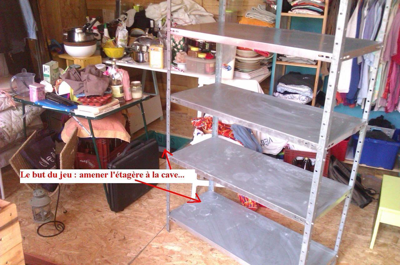 Démonter, ça va encore, mais remonter l'étagère dans un espace très restreint, cela s'apparentait plus à du contorsionnisme !