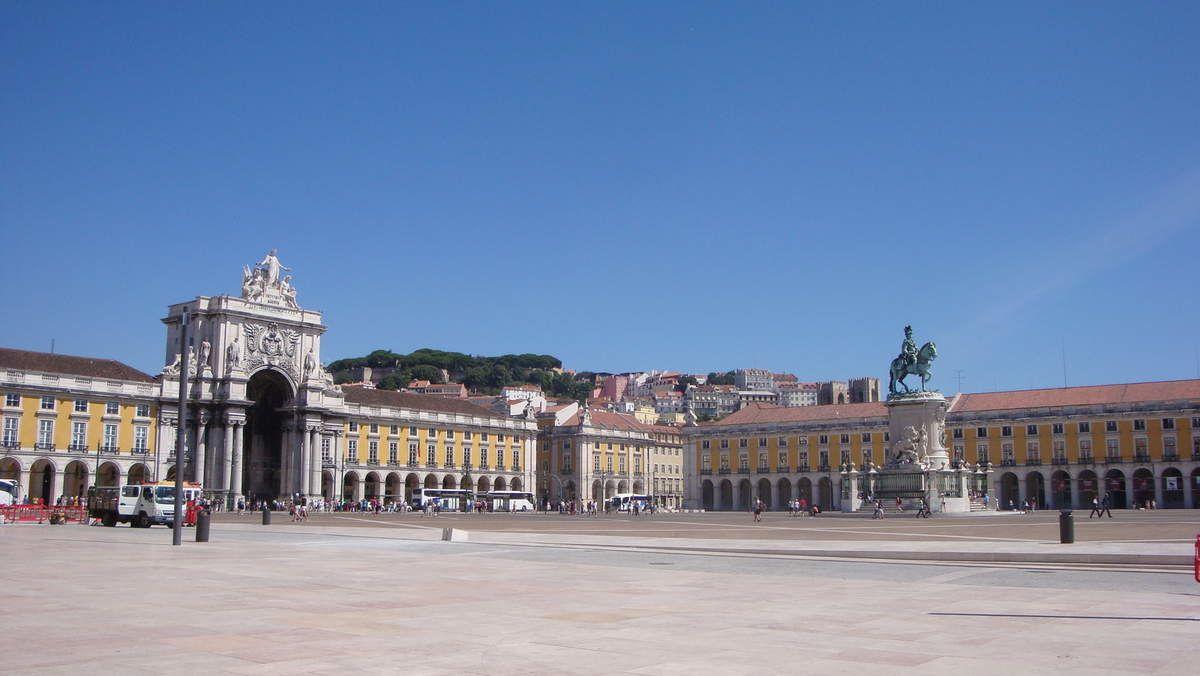 Place du Commerce, dans le centre-ville de Lisbonne.