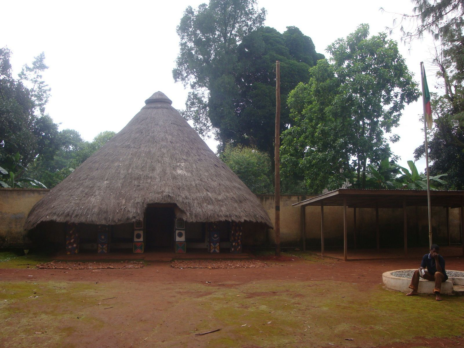 Case du chef traditionnel de village, à Idool, dans le nord du Cameroun.
