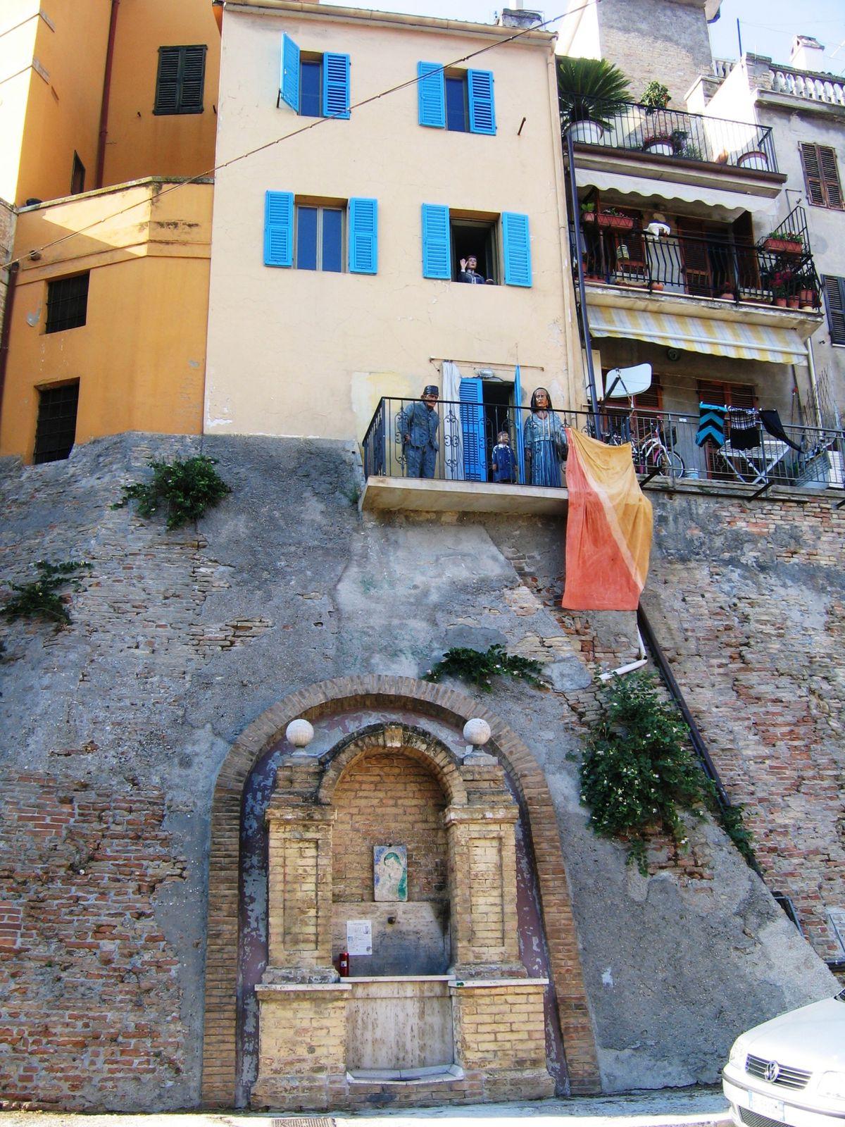 04  Pri San Benedetto - Fotoj Esp + Ita