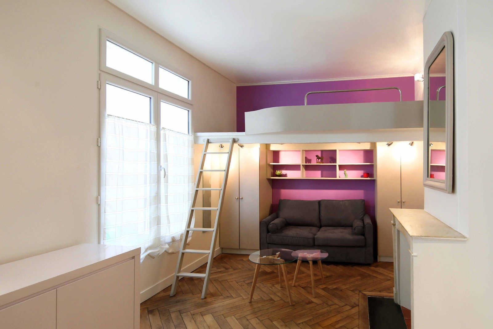 un studio de 20 m2 avec mezzanine le blog d 39 une. Black Bedroom Furniture Sets. Home Design Ideas