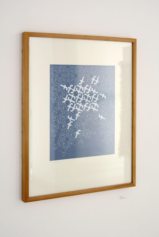Pavage Fesbook / Crayon et Posca sur carton bleu / 60 x 96 cm