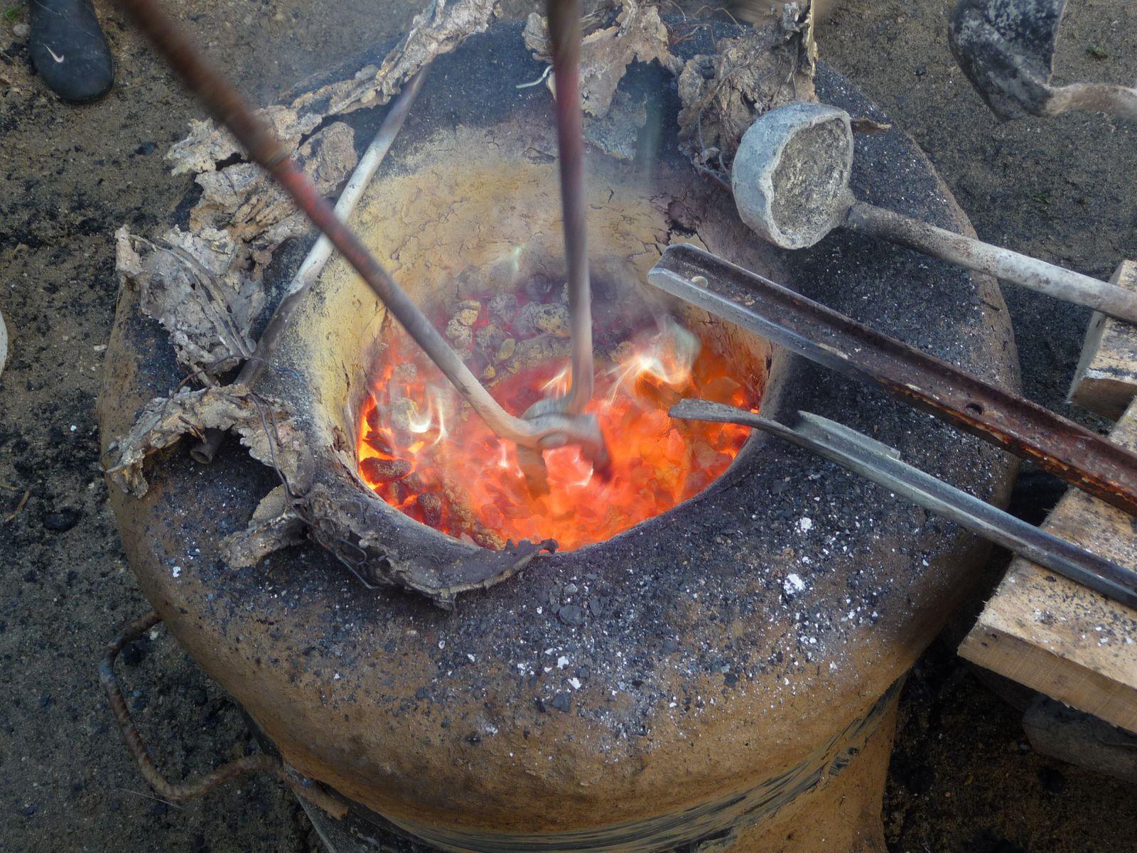 On touille pour faire fondre le métal
