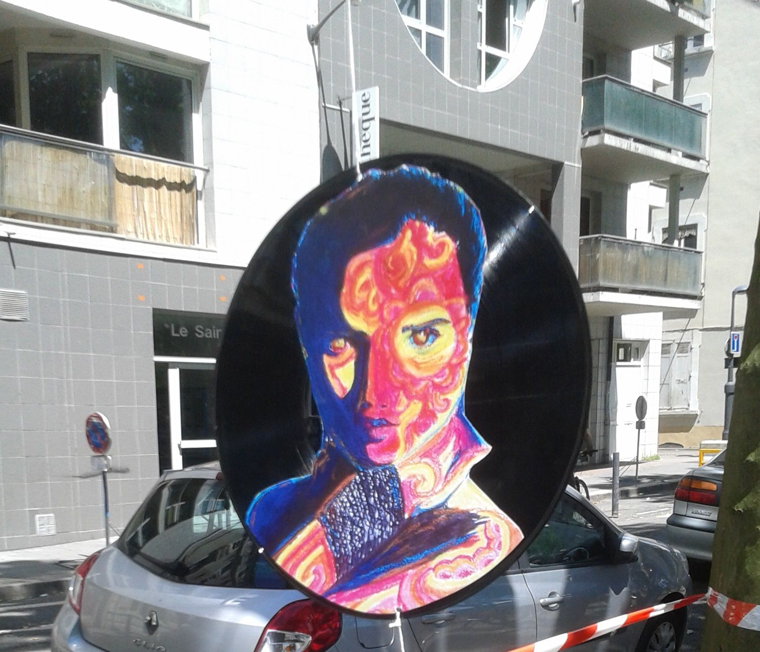 L'expo collective Vinyles Folies (place St Bruno)