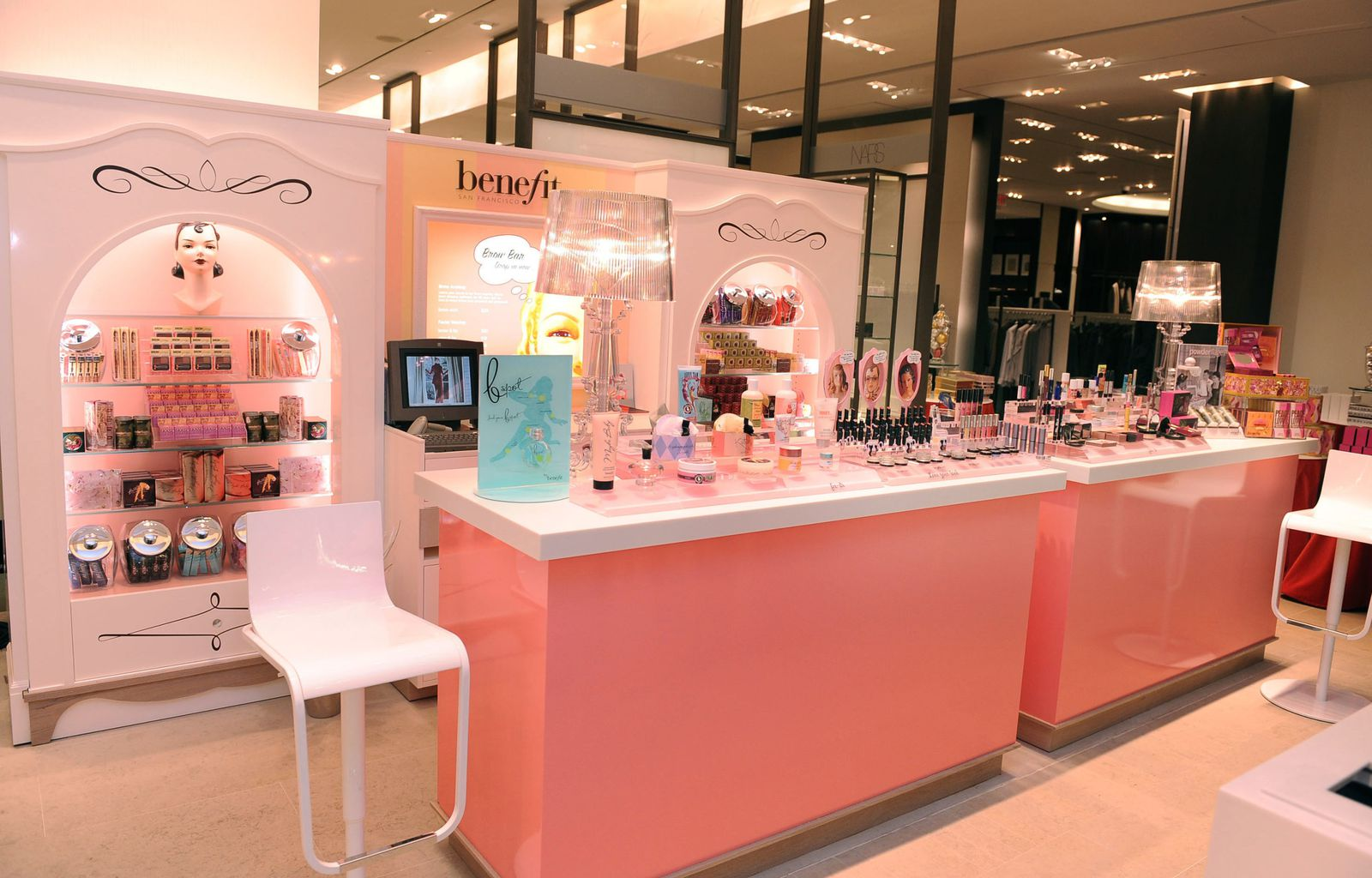 stand benefit à Paris so girly