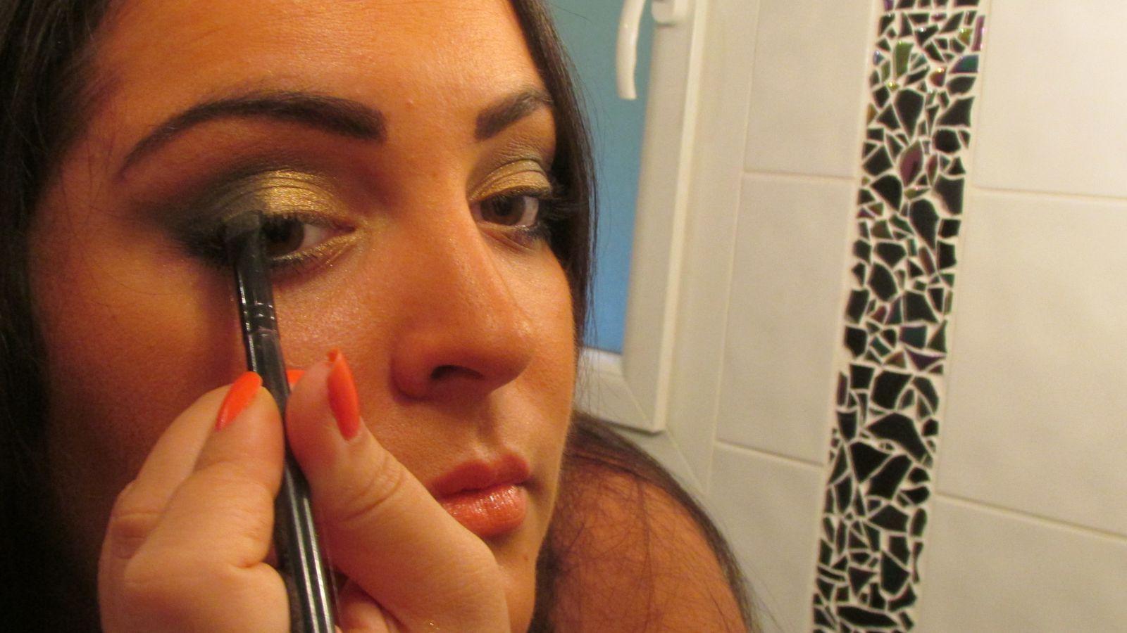 Make Up Kaki doré