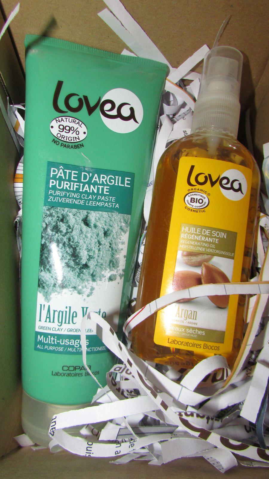 La marque Lovea m'a proposé de tester deux produits : La pâte d'argile purifiante :Argile Verte multiusages et l'huile de soin régénérant à l'Argan.