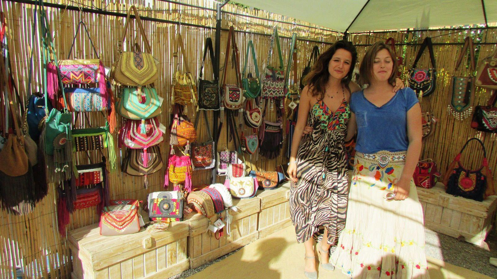 un des  grands marchés hippie est celui de Las Dalias dans le village de San Carlos, Ambiance peace and love, patchouli, effluves d'encens et longues robes à fleurs.