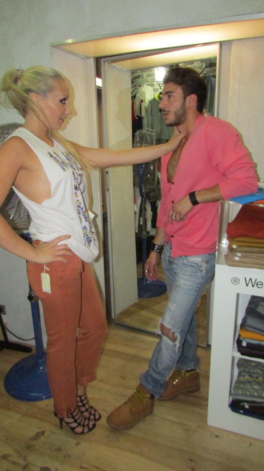 vany & seb s'improvisent mannequins d'un jour et ils s'en sortent très bien &#x3B;)