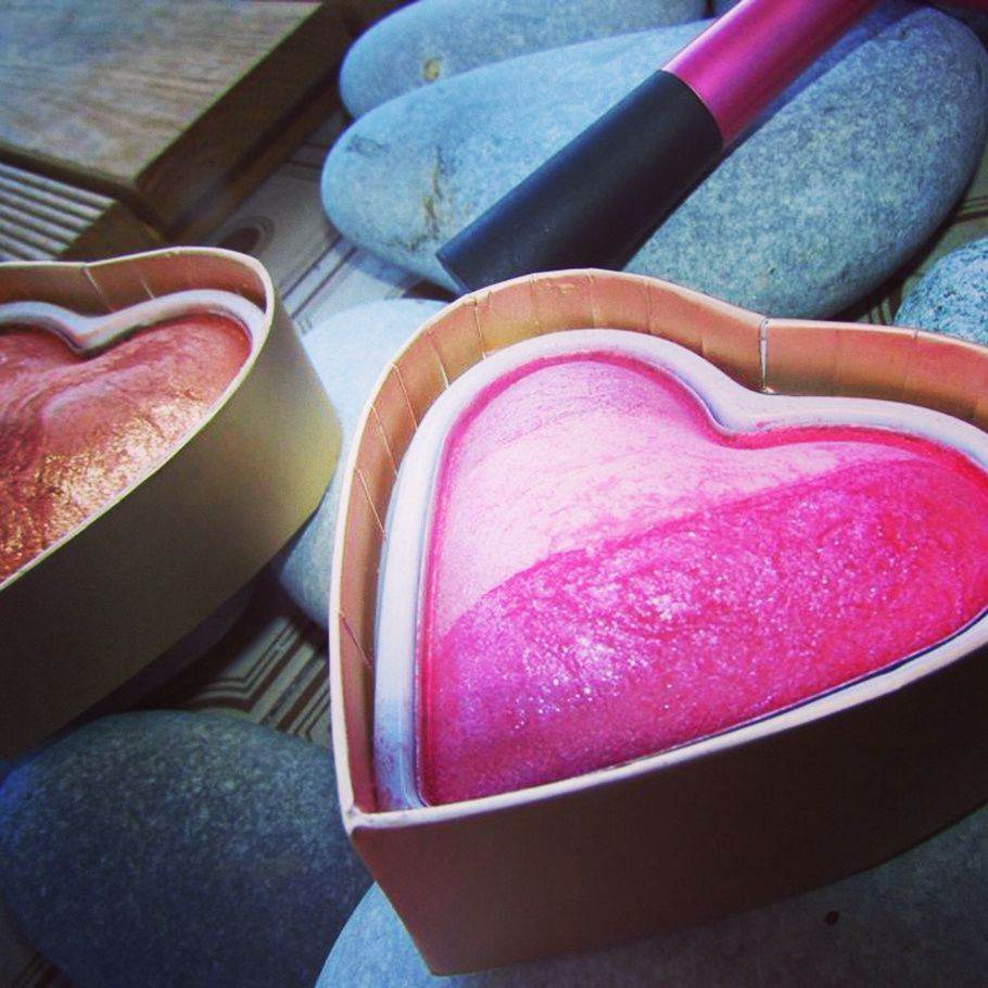 Summer of Love &amp&#x3B; Blushing Hearts by Make up Révolution