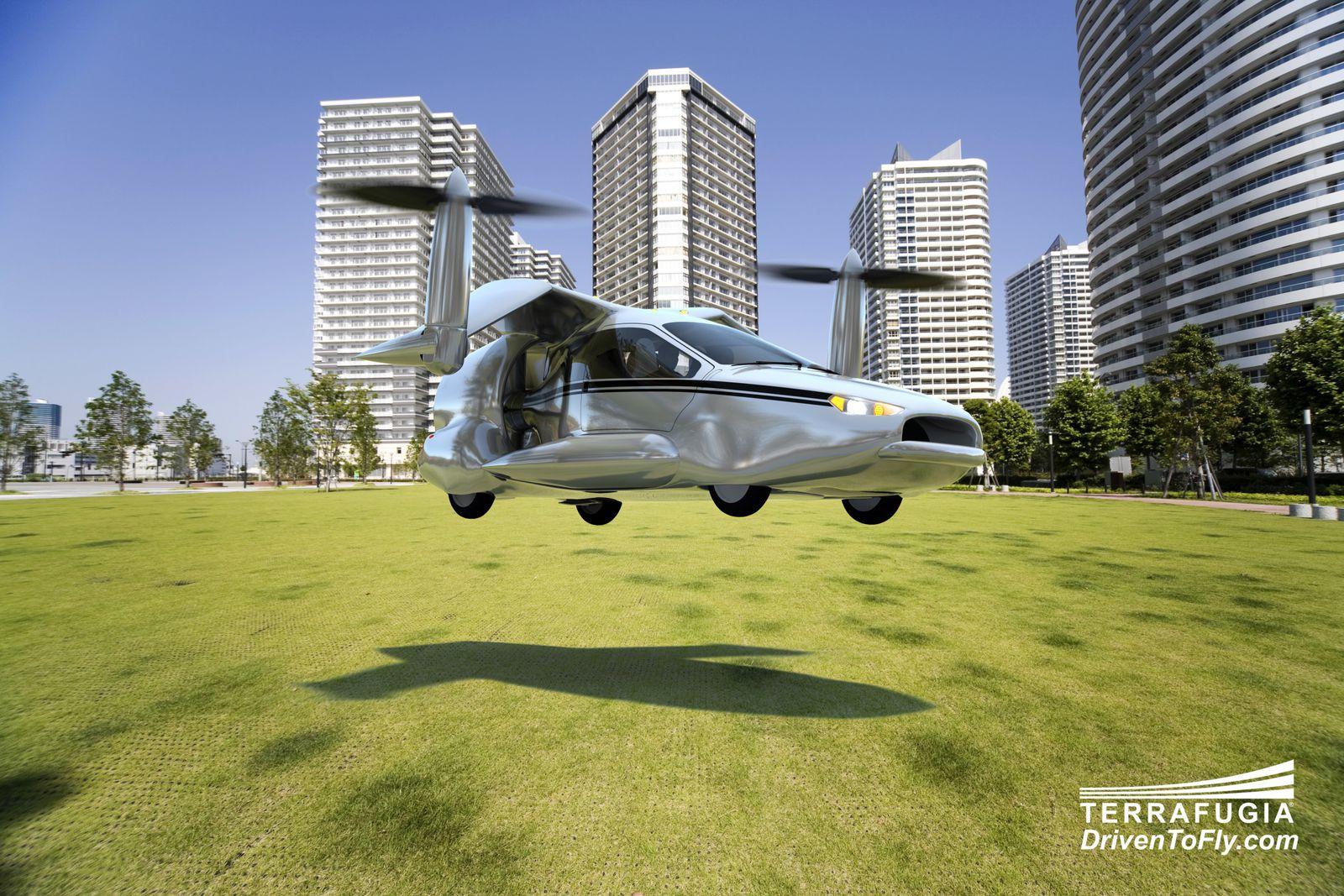 Simple et ludique, apprendre a manœuvrer ce Terrafugia TF-X devrait prendre 5heures d'après ses concepteurs, et les délicates phases de décollage et d'atterrissage pourront être réalisées en mode automatique, sans action du pilote.