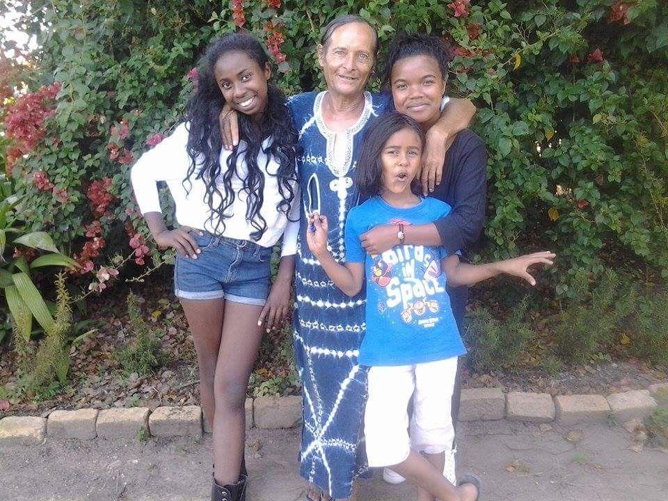 Nanou et la maman de son fils, avec ses amours, la famille il y a que ça de bien ! ! !