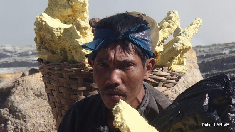 INDONESIE : Les combattants du Kawah Ijen