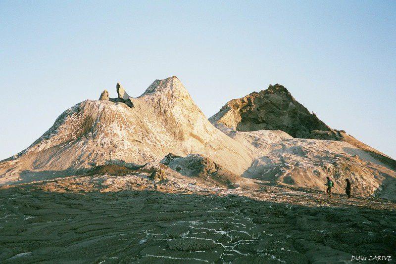 L'Oldoinyo LENGAÏ :Le volcan le plus extraordinaire de la planète !