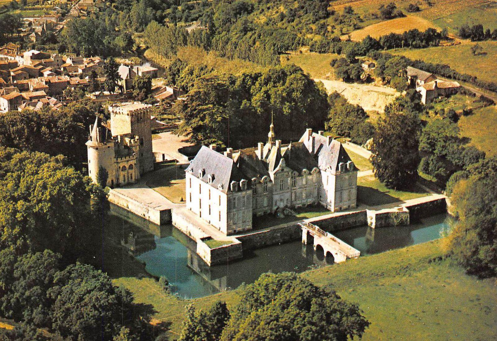 St Loup Lamairé - Auberge Ste Catherine - l'église et son Saint Local St Théphane décapité au Tonkin en 1861 - le Château de St Loup qui fait chambres d'hôtes