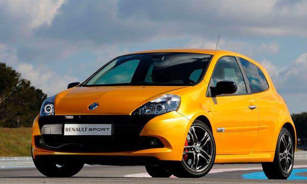 Louer une voiture sportive en Guadeloupe avec la Renault Clio RS