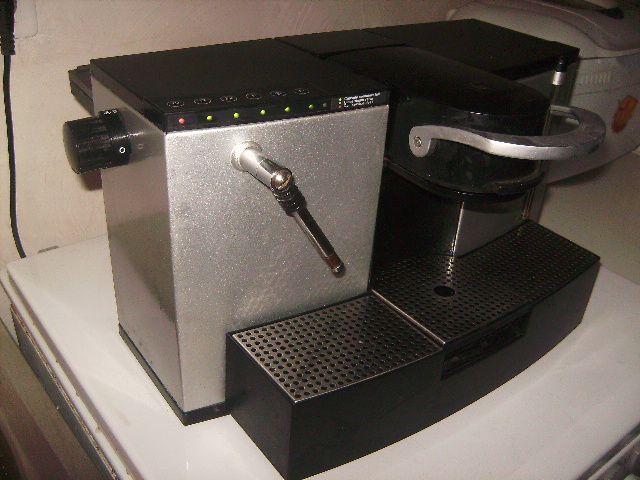 cafetiere expresso nespresso professionnel es 100 i. Black Bedroom Furniture Sets. Home Design Ideas