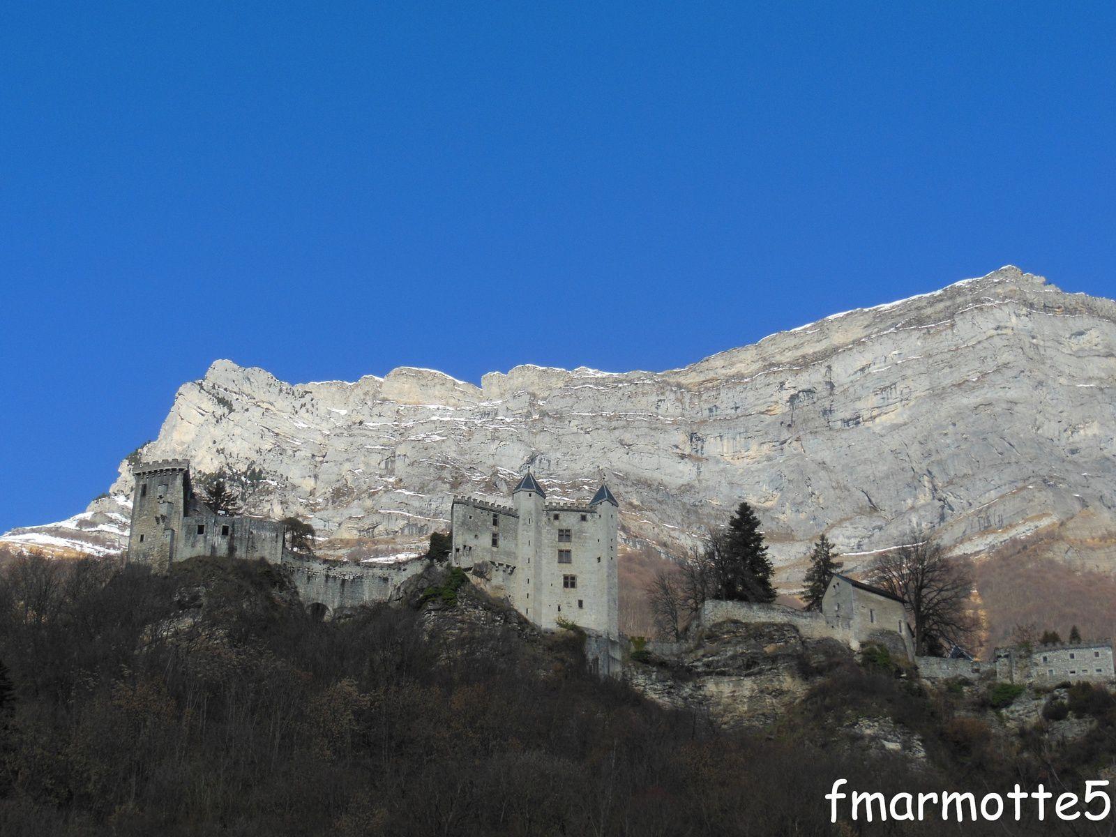 Forteresse de Miolans dans la Combe de Savoie.