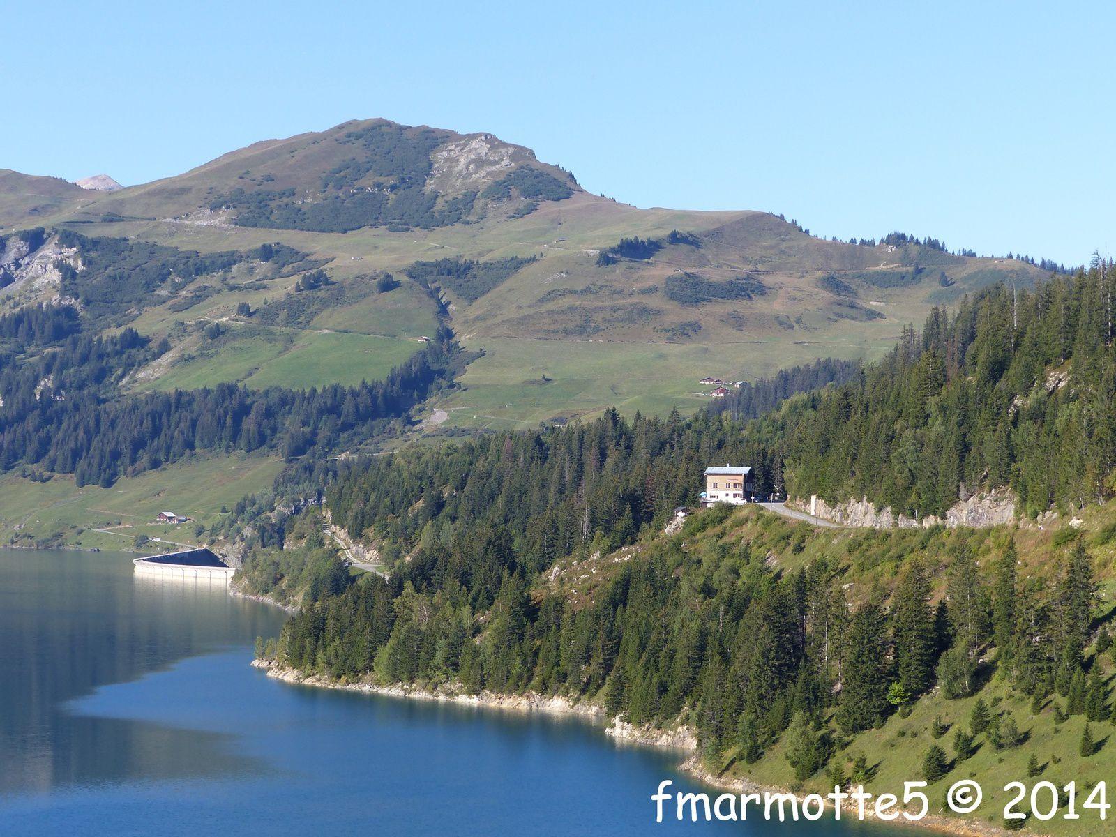 Roche Parstire 2108 m. Randonner en famille.