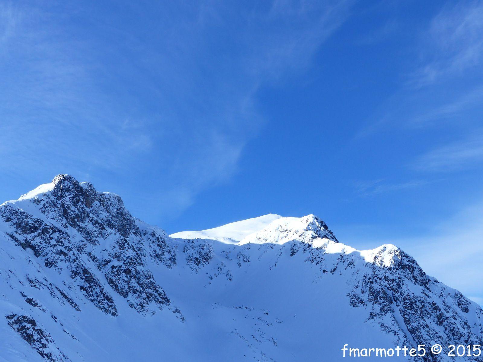 Le sommet vu depuis le Col de la Forclaz , tous au sommet du Grand Mont  2687 m.