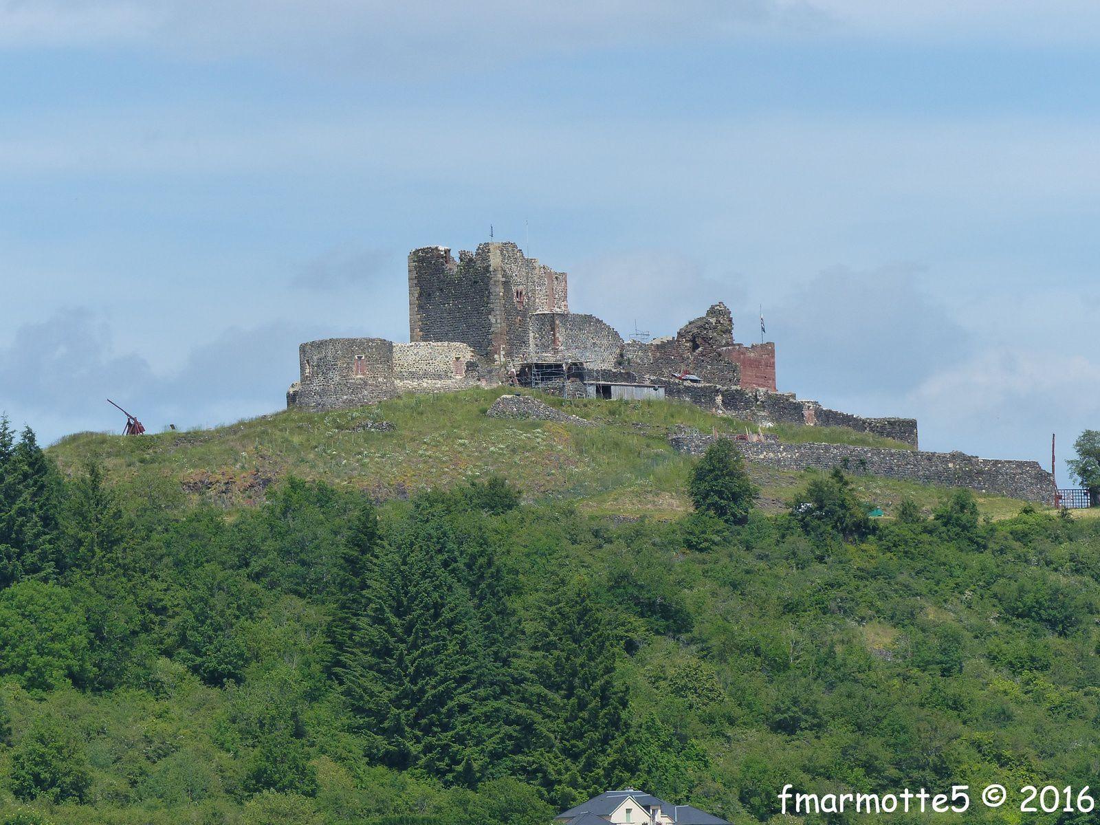 Calmont d'Olt, le château.