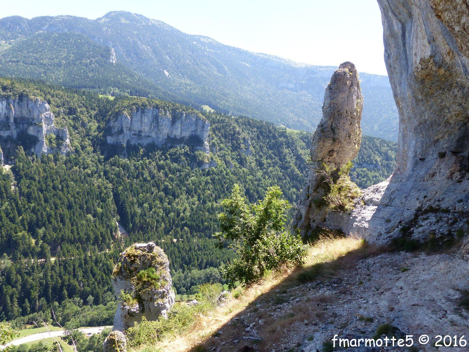 La vire des monolithes, Vercors, Engins.