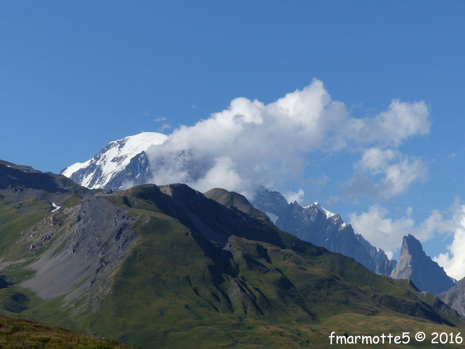 Lac Verney, Mont Blanc +  Aiguille Noire de Peuterey