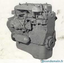 Curiosity a pris en photo sur mars le 4 août 2013 cette chose en forme de bloc moteur