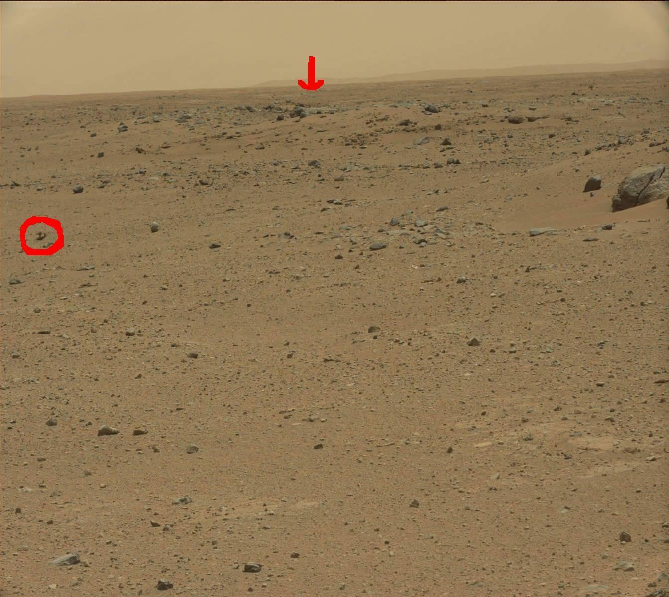 Possible Base des Martiens photographiée par Curiosity sur Mars le 12 août 2013