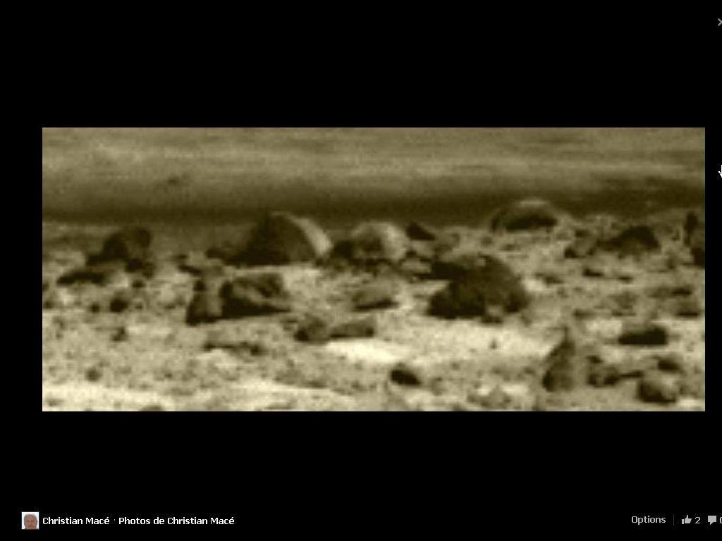 Curiosity a photographié sur Mars ces curieuses Choses le 12 septembre 2013